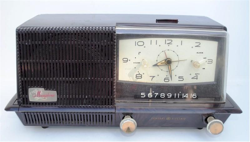 General Electric C421A Clock Radio (1958)