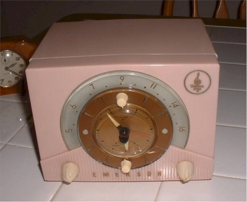 Emerson 724-D Clock Radio (1953)