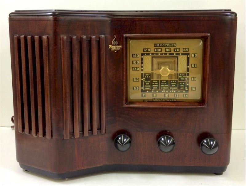 Emerson CS272 w/Ingraham Cabinet (1939)
