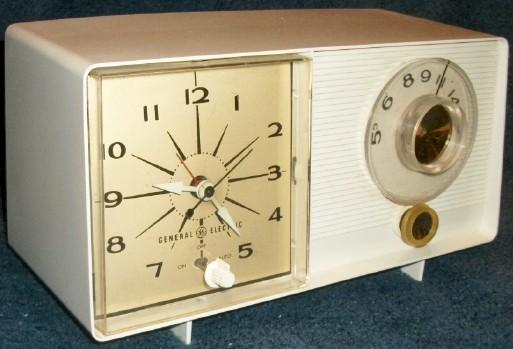 General Electric C403D Clock Radio (1964?)