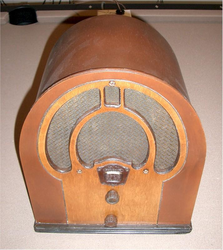 Philco 80 Cathedral (1932)
