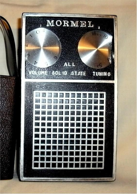 Mormel L-850 De-Luxe Pocket Transistor
