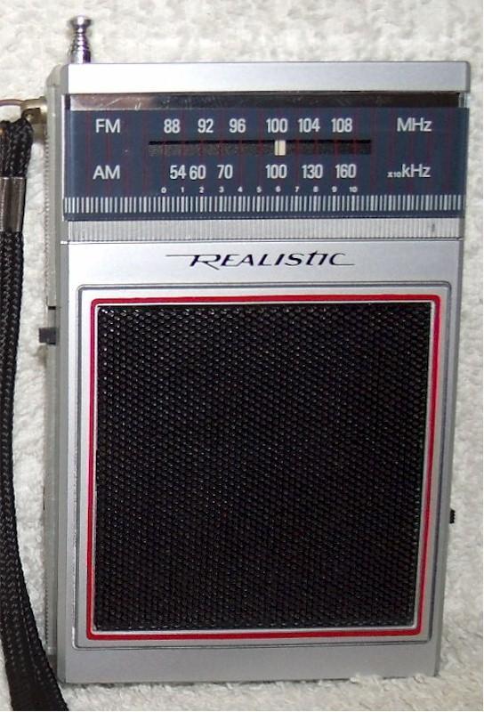 Realistic 12-719 AM/FM Pocket Transistor (late 70s)