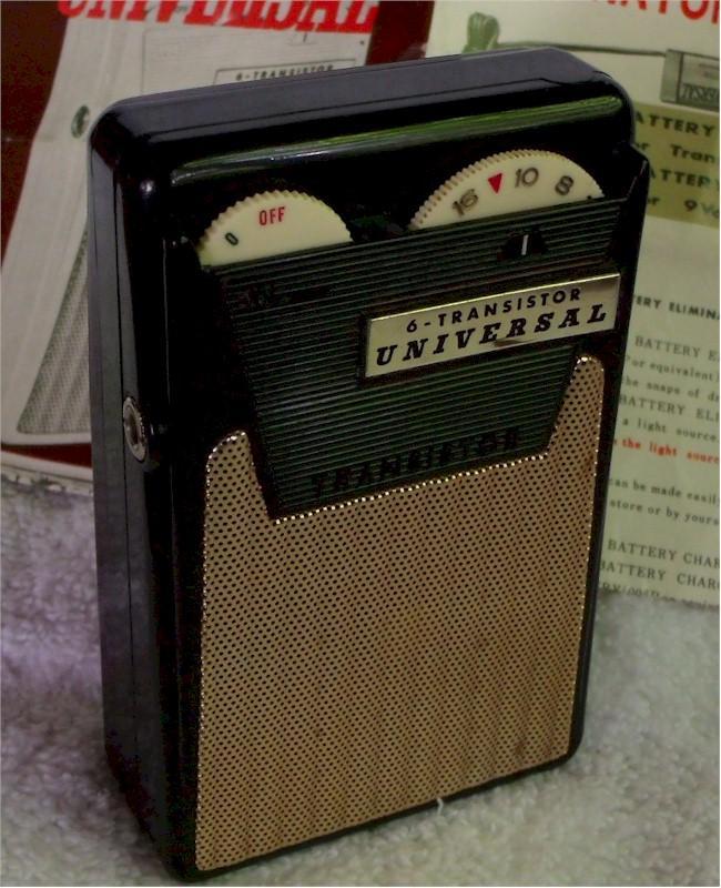 Universal PTR-62B Pocket Transistor (1962)