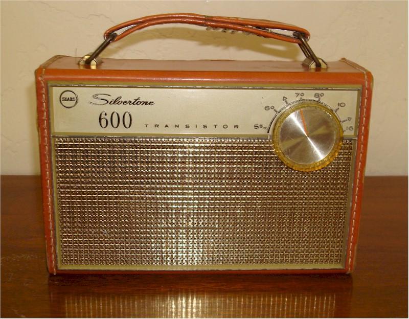 "Silvertone ""600"" Model 3219 Portable (1962)"