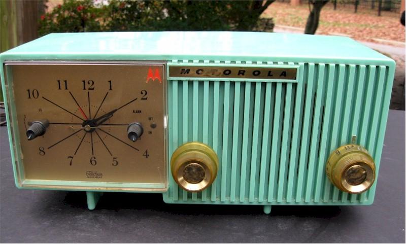 Motorola 56CS4 Clock Radio (1956)