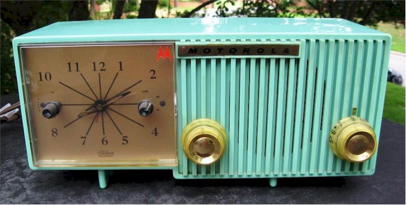 Motorola 56CS Clock Radio (1956)