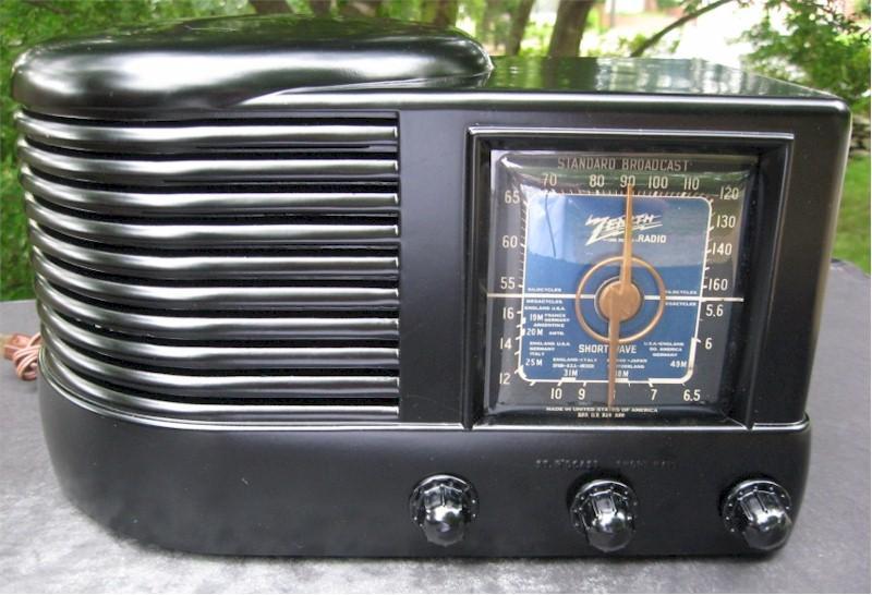 """Zenith 6-D-512 """"Beehive"""" (1941)"""