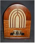 "Stewart-Warner 123-1 ""Troubador"" Mini-Cathedral (1933)"