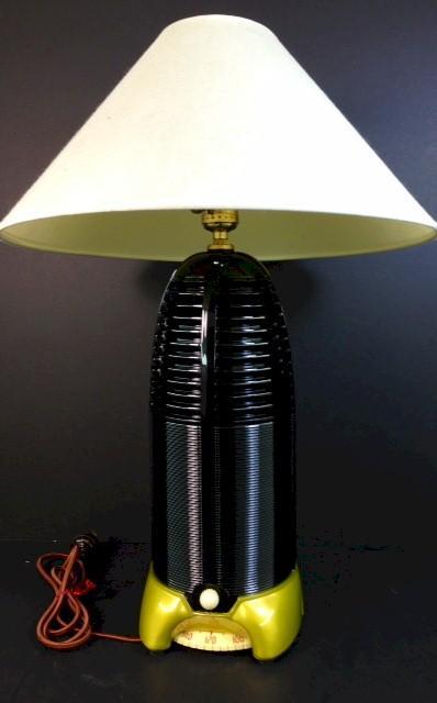 """Mitchell 1260 """"Lumitone"""" Lamp Radio (1940)"""