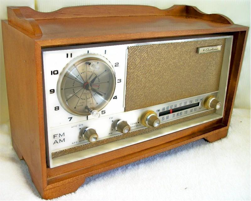 Airline 1812A Clock Radio (1955?)