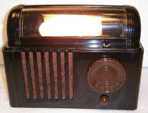 Air Castle 2002 Bed Lamp Radio (1940)