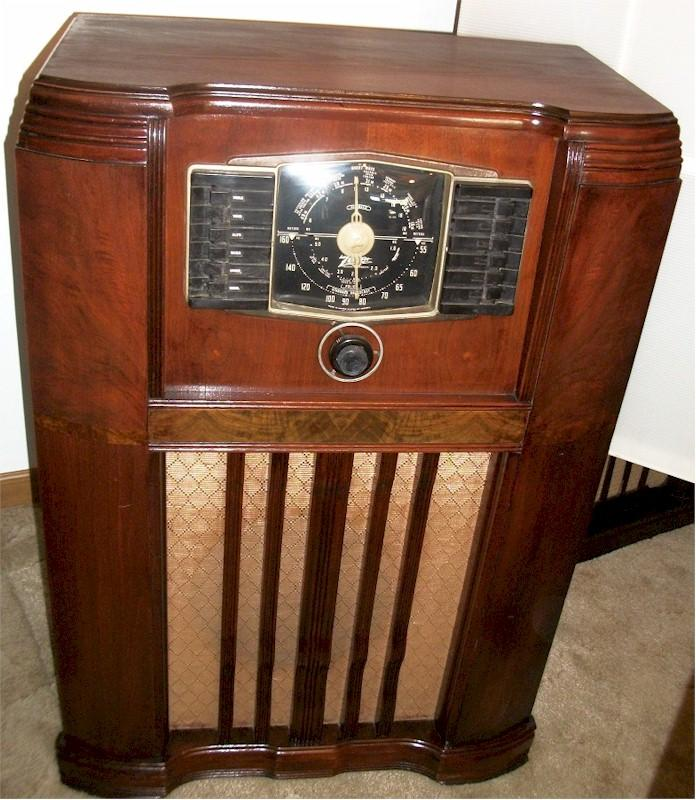 Zenith 10-S-668 Console (1942)