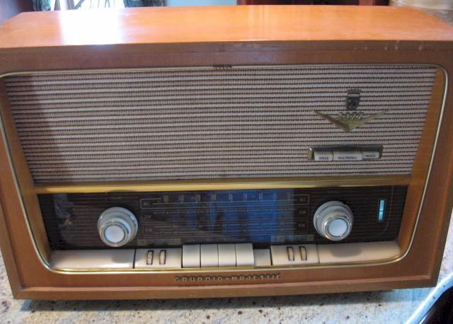 Grundig-Majestic 2077 (Germany)