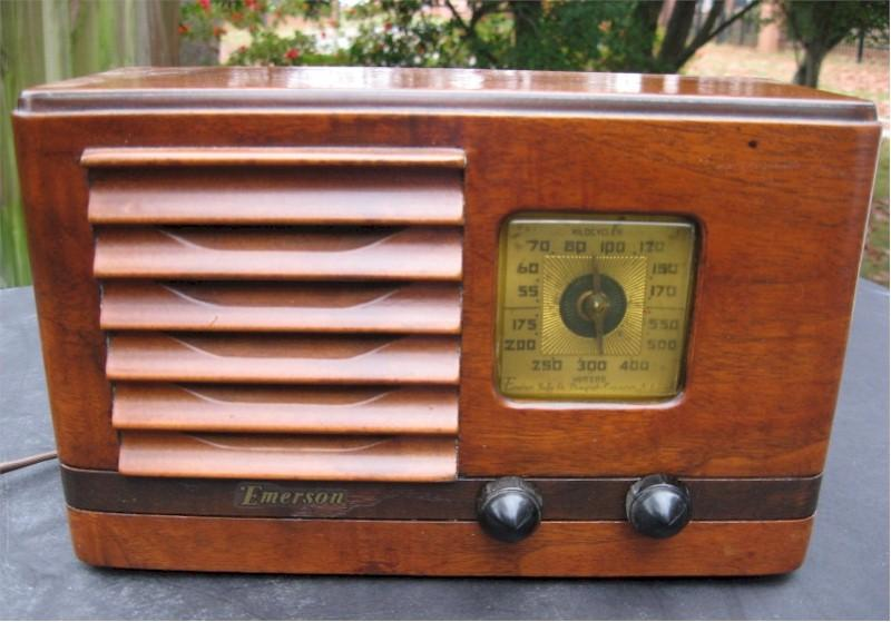 Emerson AX-217 w/Ingraham Cabinet (1938)
