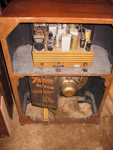 Zenith 8-S-563 Console (1941)