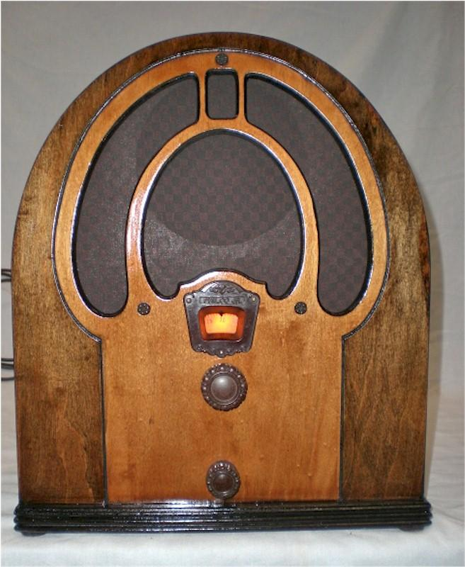 Philco 80 Jr Mini Cathedral (1933)