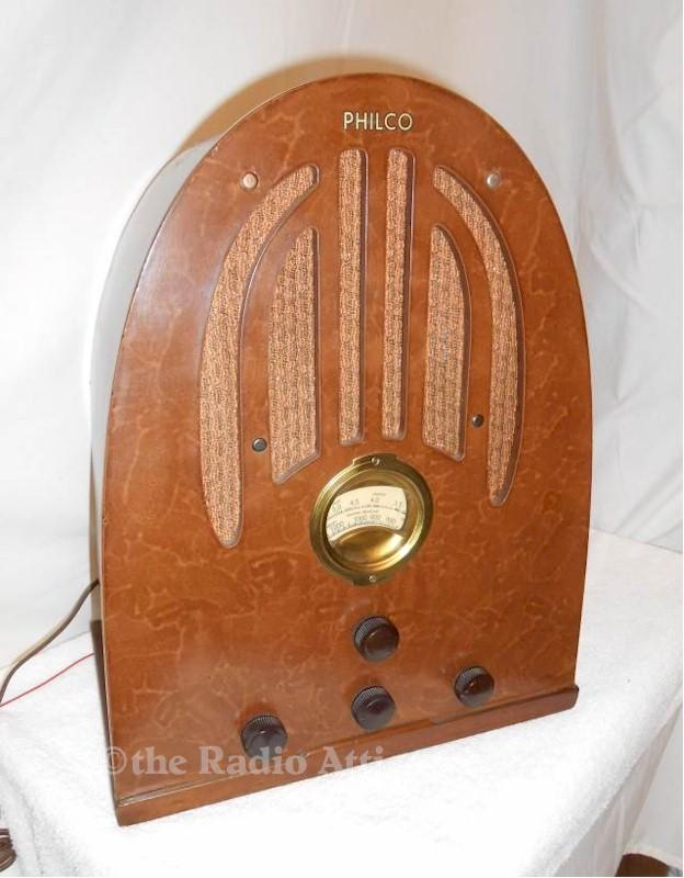 Philco 37-60B (Early) Cathedral (1936-37)