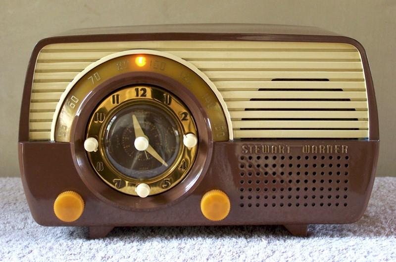 Stewart-Warner 9162-D Clock Radio (1952)