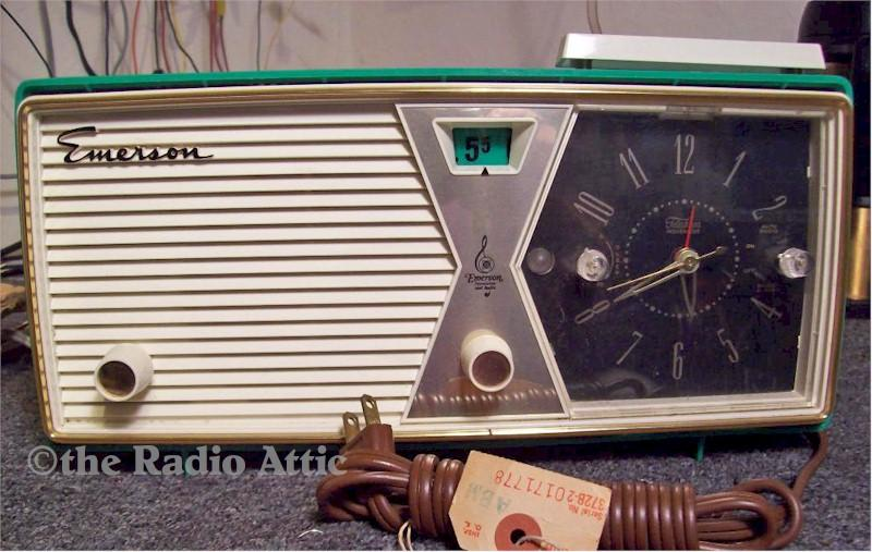 Emerson 883 Clock Radio