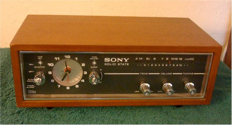 Sony 8RC-54 Clock Radio (1970)