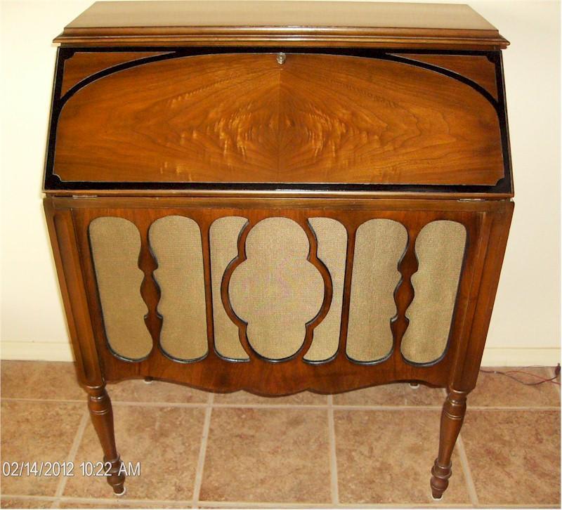 Atwater Kent 37 Desk Radio (1928)