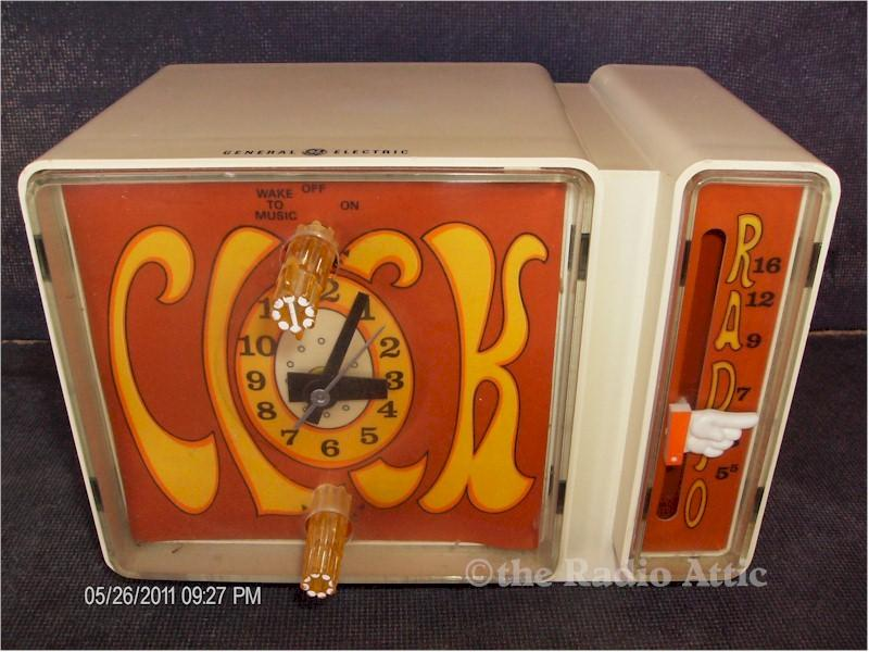 General Electric C3300A AM Retro Clock Radio
