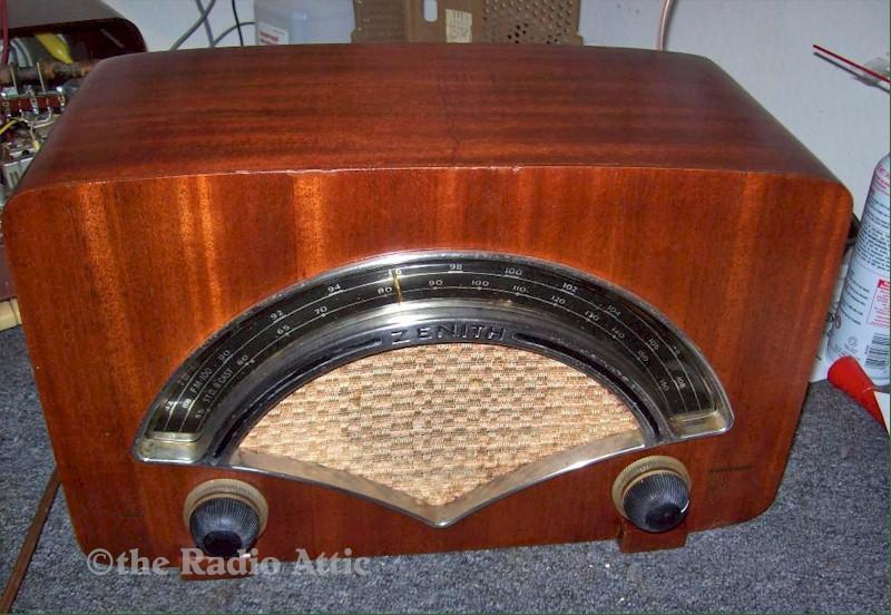 Zenith 8H034 AM/FM (1946) - SOLD! - item number 1400043