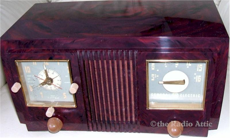 General Electric 535 Clock Radio (1951)