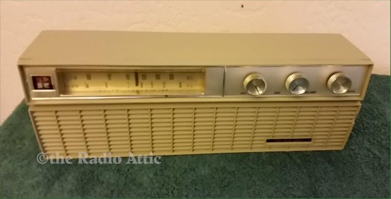 "Packard-Bell AM/FM ""Gilligan's Island Radio"""