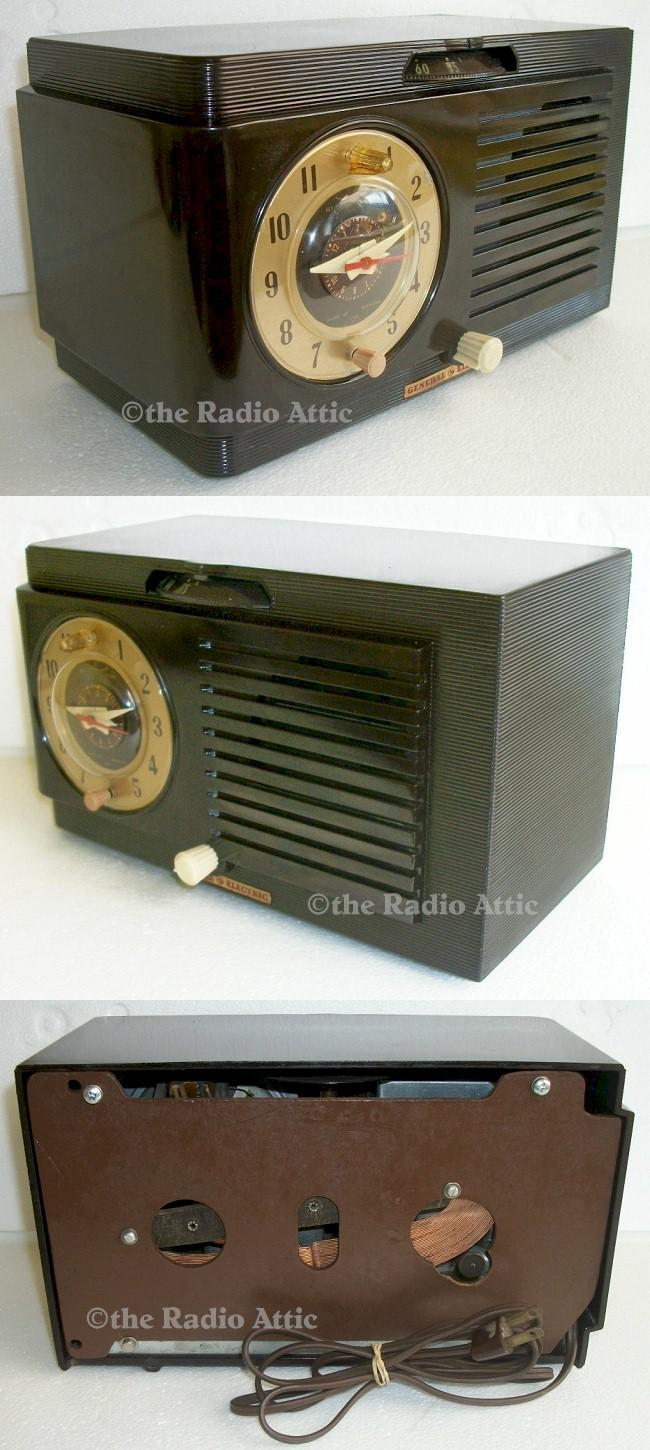 General Electric 512F Clock Radio (1951)