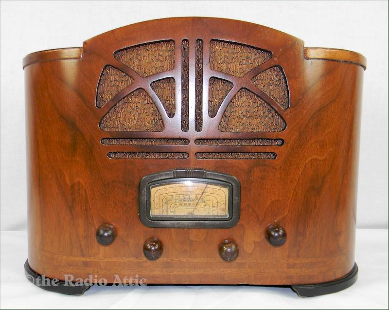 "Emerson 107 ""Duotone"" with Ingraham Cabinet (1936)"