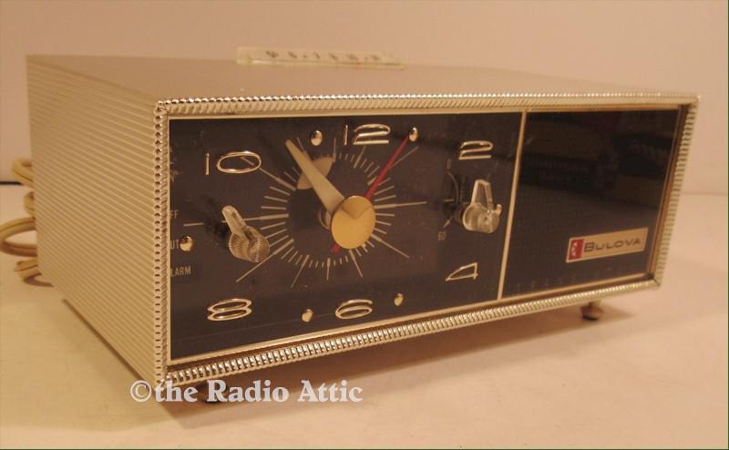 Bulova 130 Clock Radio (1962)