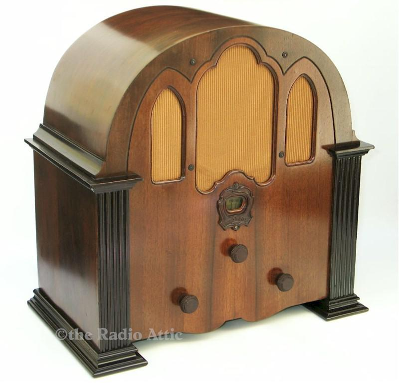 "Crosley 124 ""Play Boy"" Cathedral (1931)"