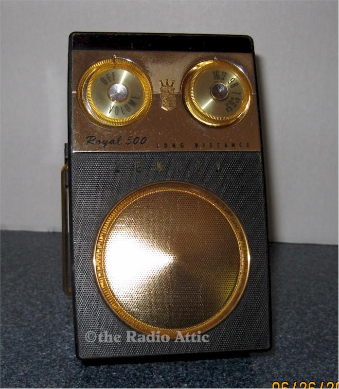 "Zenith Royal 500E ""Owl Eye"" Pocket Transistor (1959)"