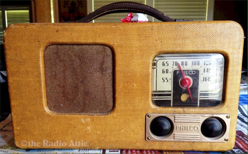 Philco 40-74 Portable