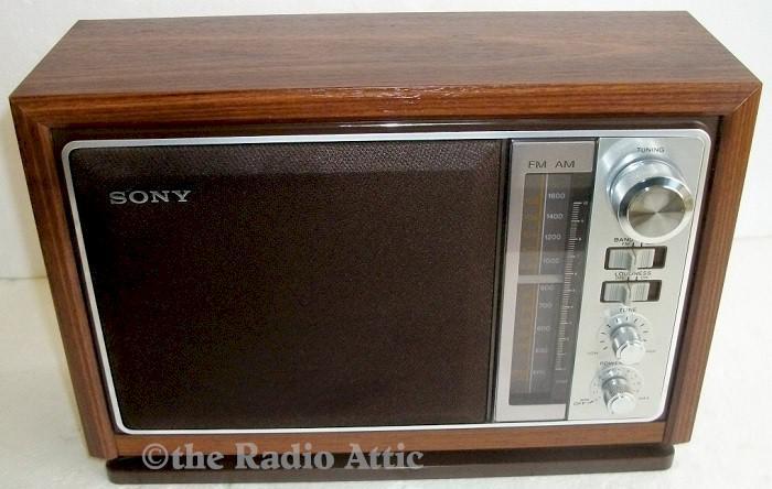 Sony ICF-9740W AM/FM (1978)