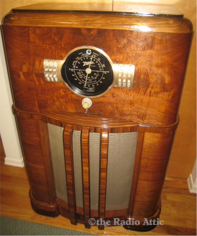 Zenith 8-S-359 Console (1939)