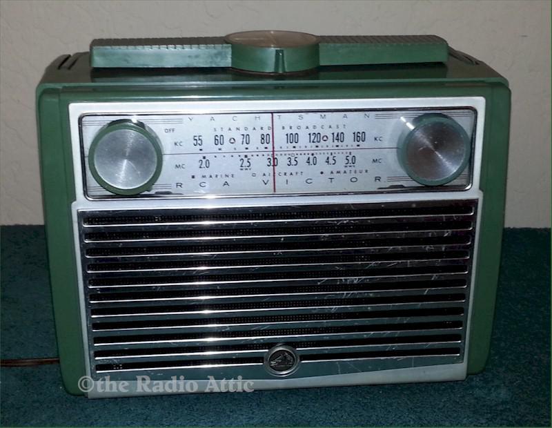 """RCA 7-BX-9H """"Yachtsman"""" Portable (1957)"""