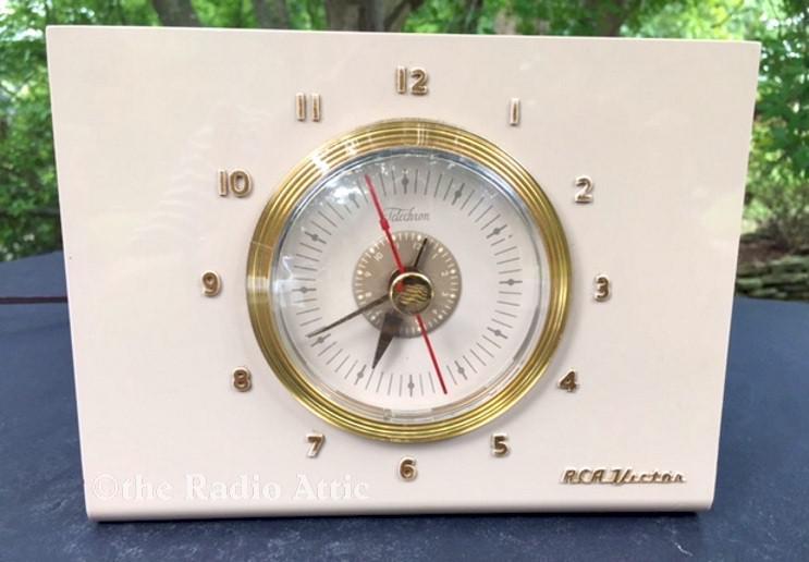 RCA 2-C-514 Clock Radio (1952)