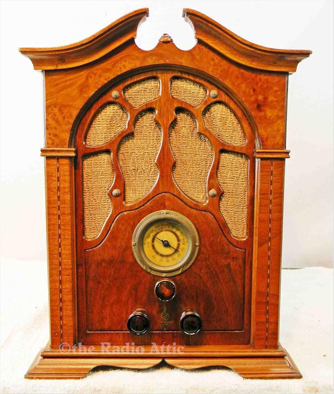 "Emerson ""Mini Sheraton"" w/Ingraham Cabinet (1933)"