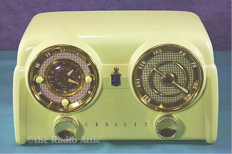 "Crosley D-25CE ""Dashboard"" Clock Radio (1951)"