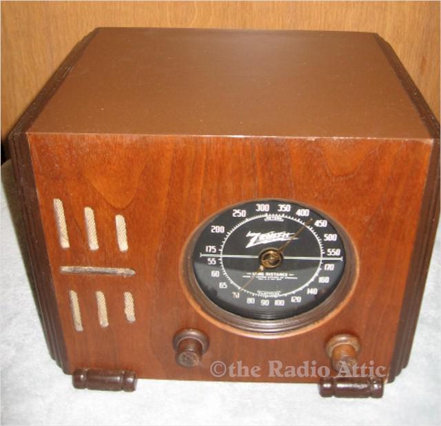 "Zenith 5-R-216 ""Cube"" (1937)"