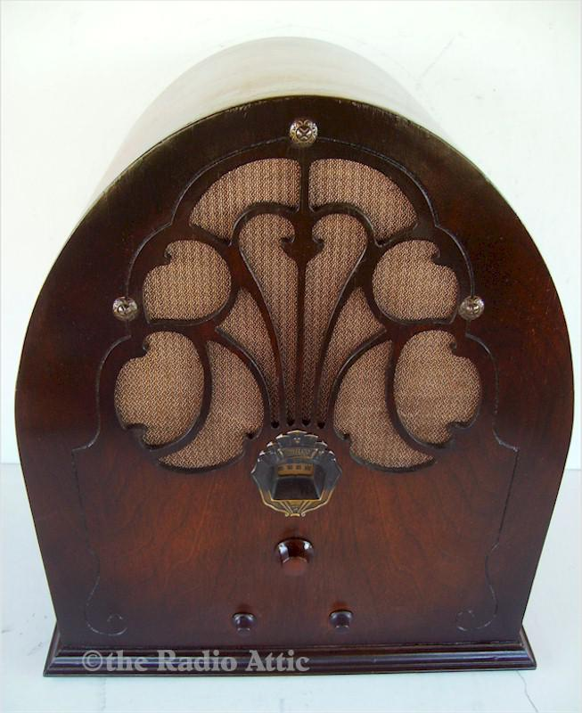 "Philco 20 ""Baby Grand"" Cathedral"