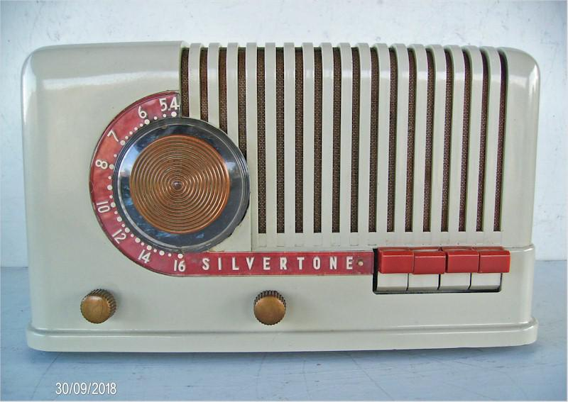"Silvertone 3411 ""Candy Cane"" (1940)"