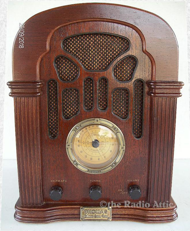 Thomas 411 Collector's Edition Radio