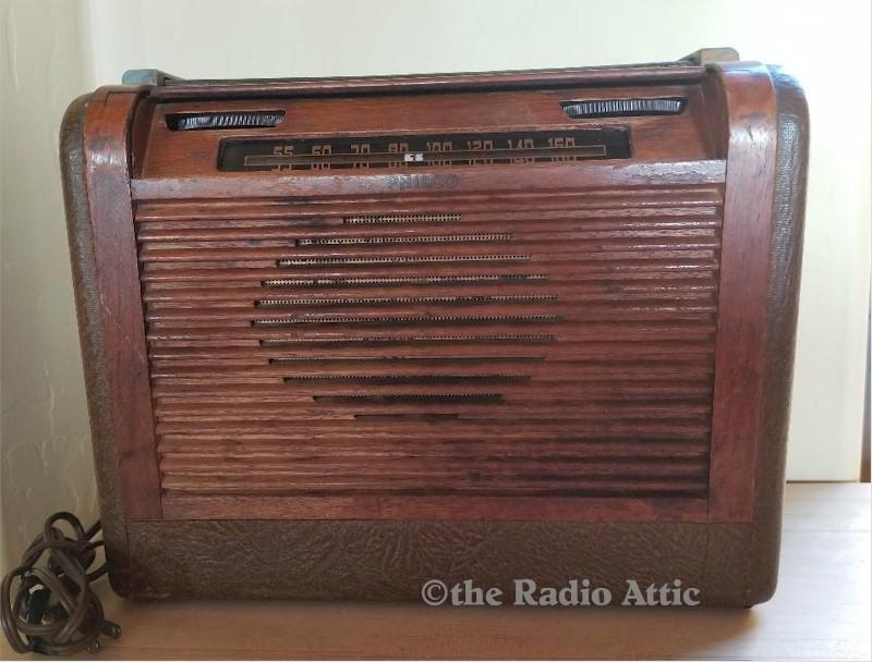 Philco 46-350 Portable (1946)