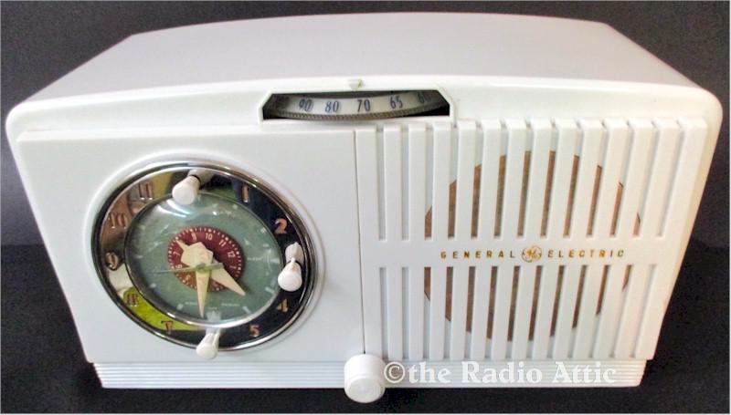 General Electric 518F Clock Radio (1951)