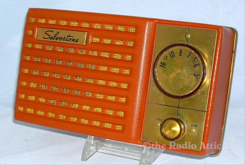 Silvertone 4212 Sub-Miniature Tube Radio (1954)