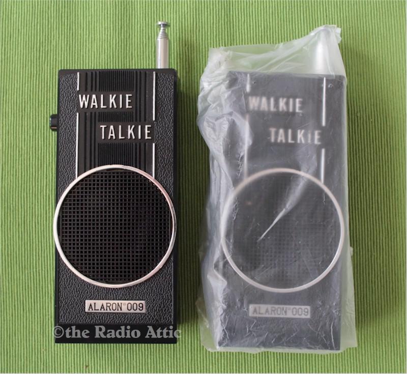 Alaron 009 Walkie-Talkie Set (NOS)